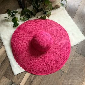 Large pink derby hat 🎩 🐎 Halloween